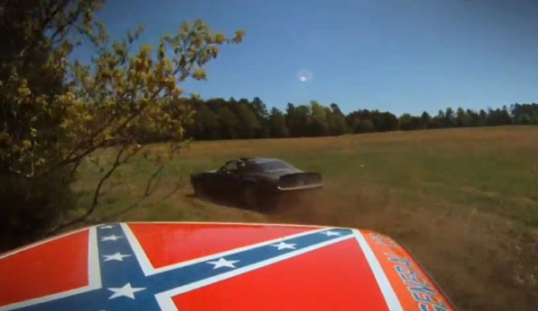The General Lee and The Bandit's Trans-Am Finally Have a Showdown
