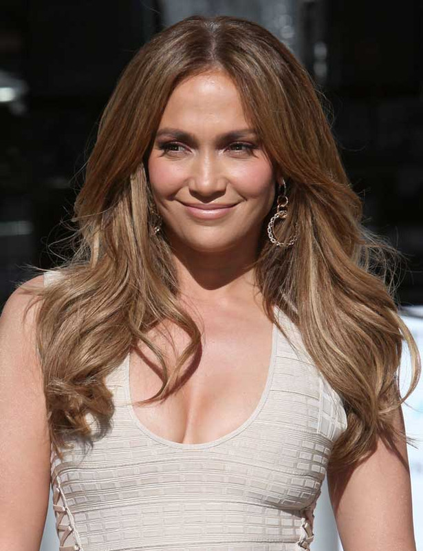 Dang! Jennifer Lopez Still Looks Hot